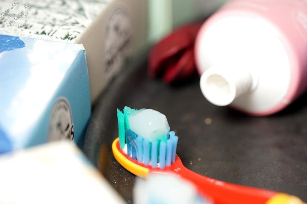 韓國2080 牙膏 (26)